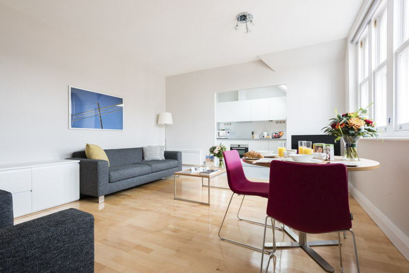 Open plan lounge area in PREMIER SUITES Reading  serviced apartments