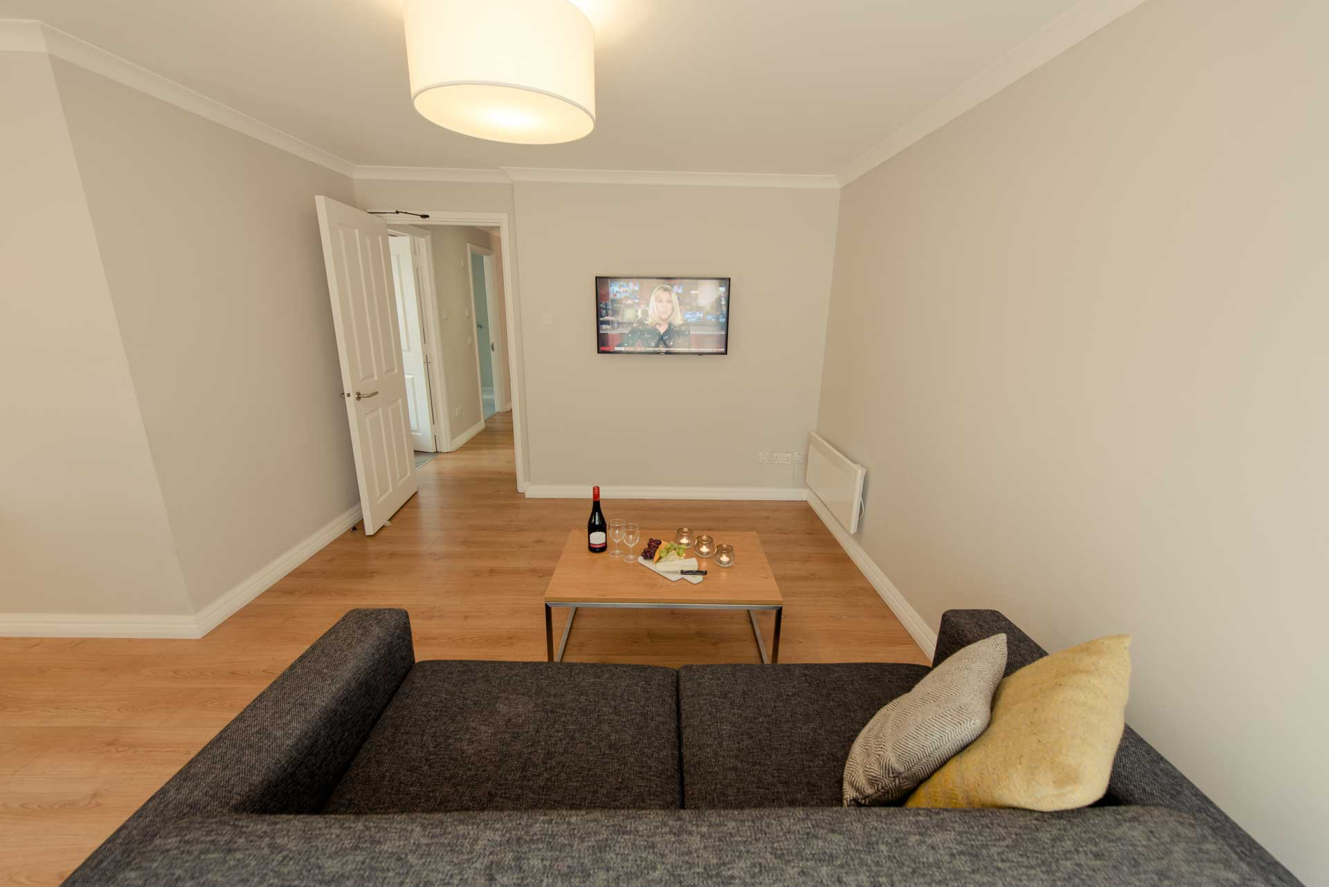 PREMIER SUITES PLUS Liverpool LIVING AREA